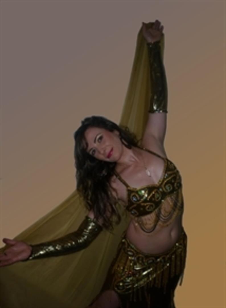 Cours Danse de moyen-Orient à domicile - Nourdance Compagnie/Association