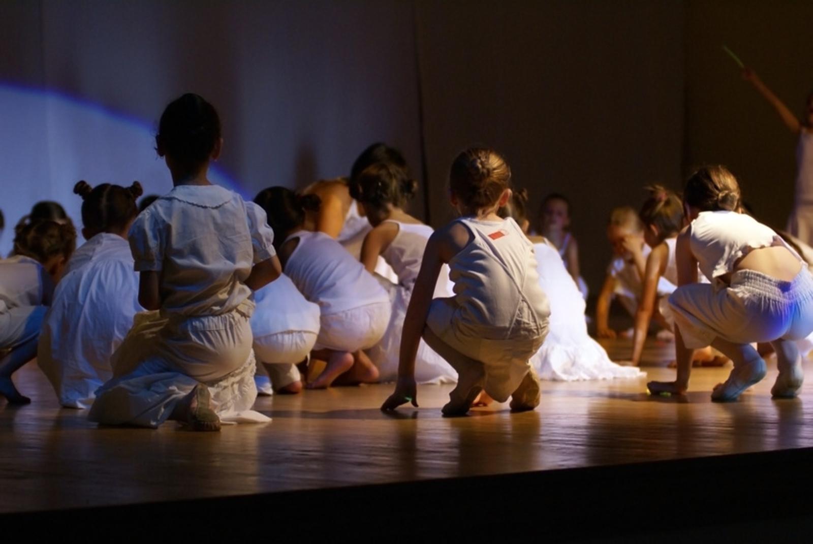 Atelier Vocal et Scénique - Arts et compagnie