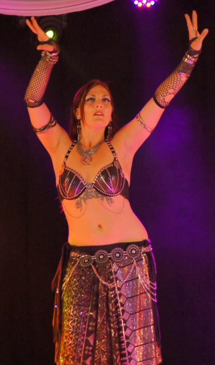 Tribal Fusion debutante - Taylamara Dance & Arts
