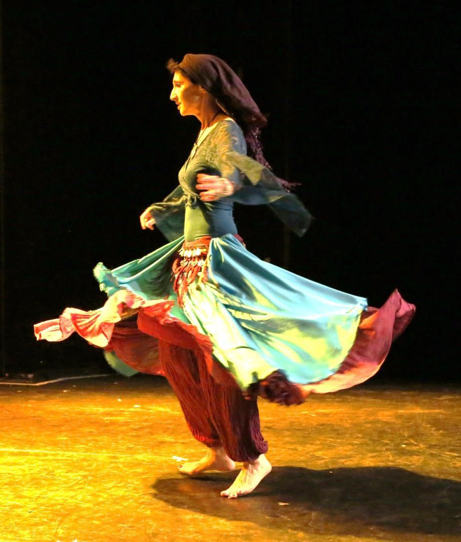 Danse orientale en cours particuliers - Sophie Ceylon (association En Alméevie)