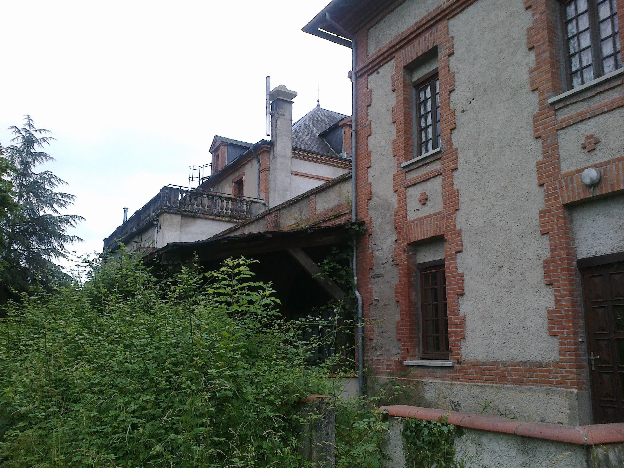 Château (2014)