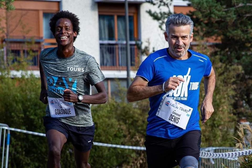 Yosi Goasdoué et le Maire de Tours, Emmanuel Denis