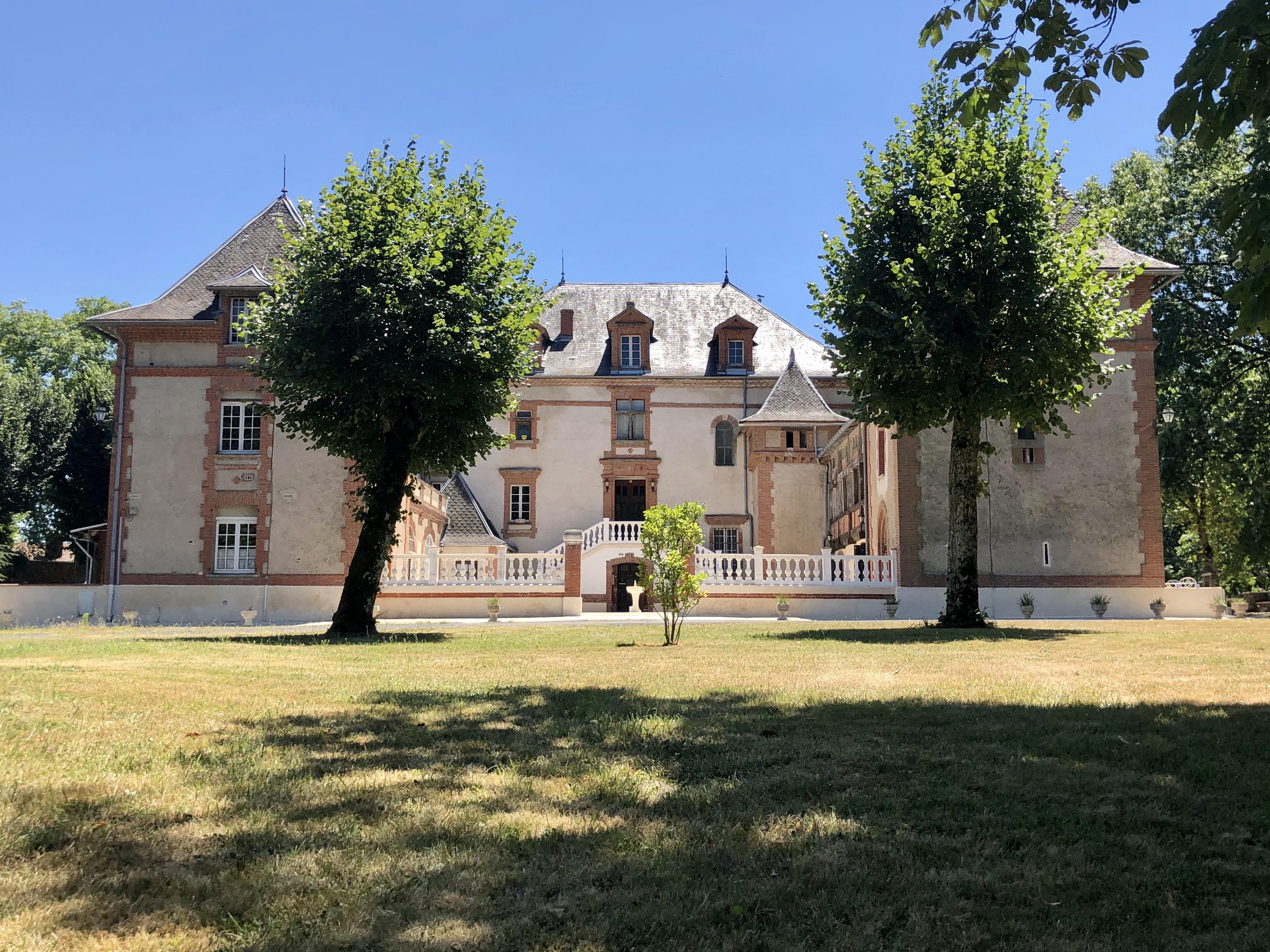Château (2020)