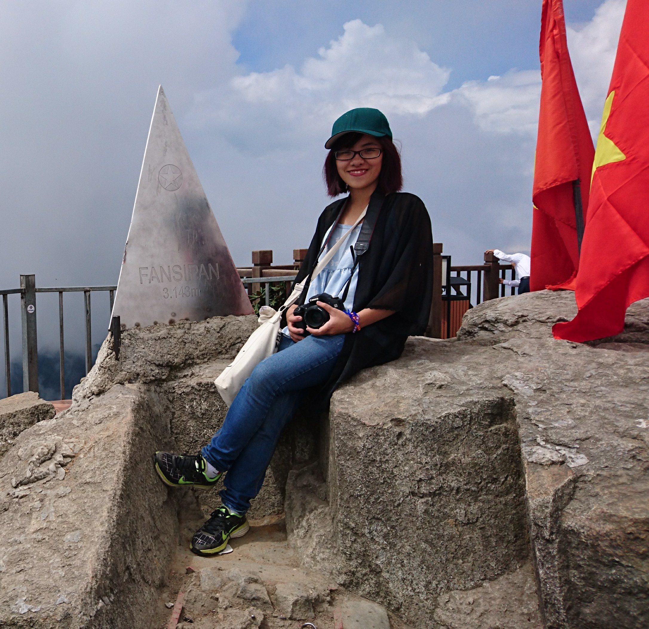 Climbing Fansipan Mountain for great cause - XUÂN